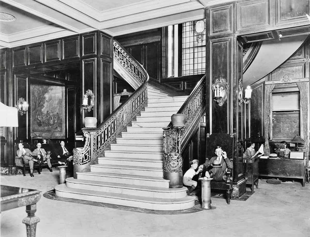 Adolphus Hotel lobby, 1920s