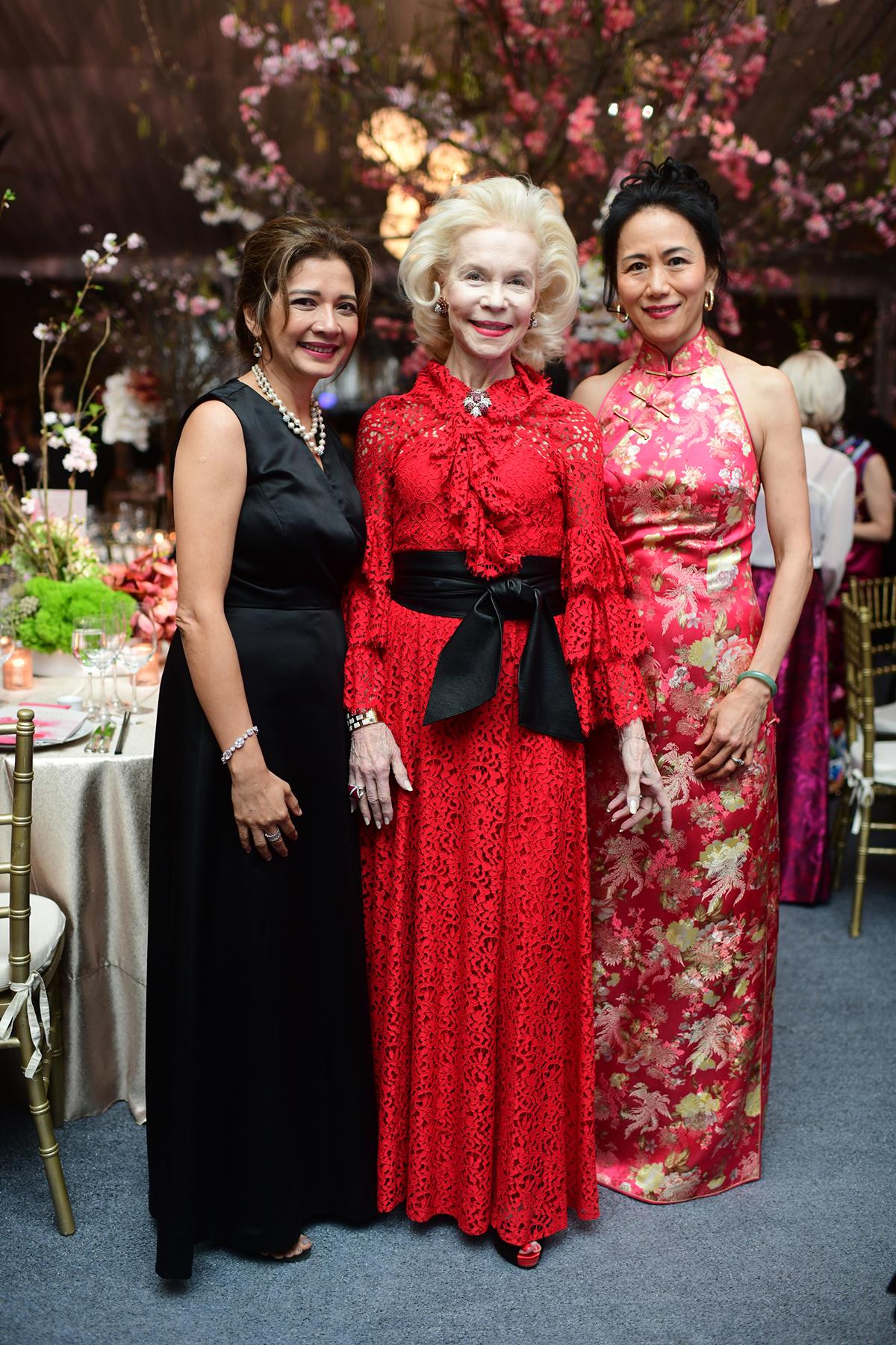 Bonna Kol, Lynn Wyatt and Y. Ping Sun