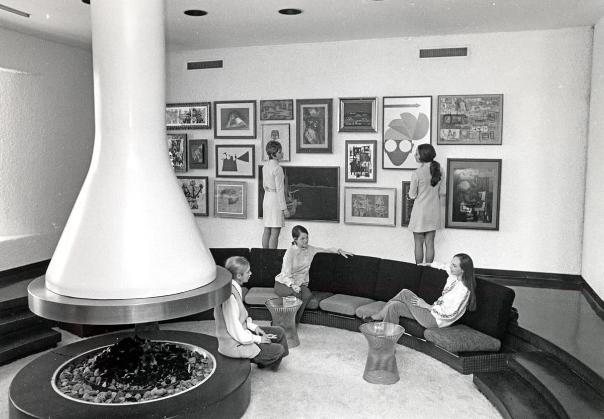 Braniff Hostess College, 1960s