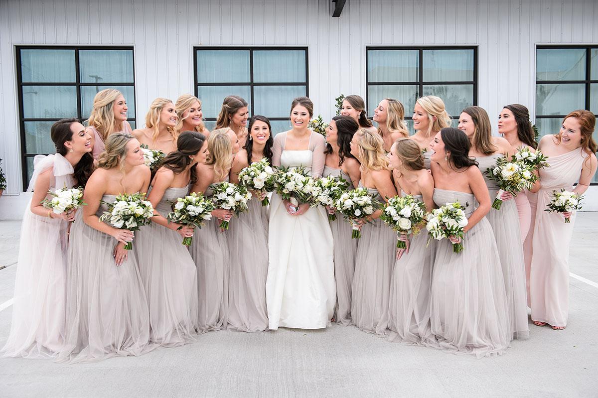 Jenna Fondren and bridesmaids