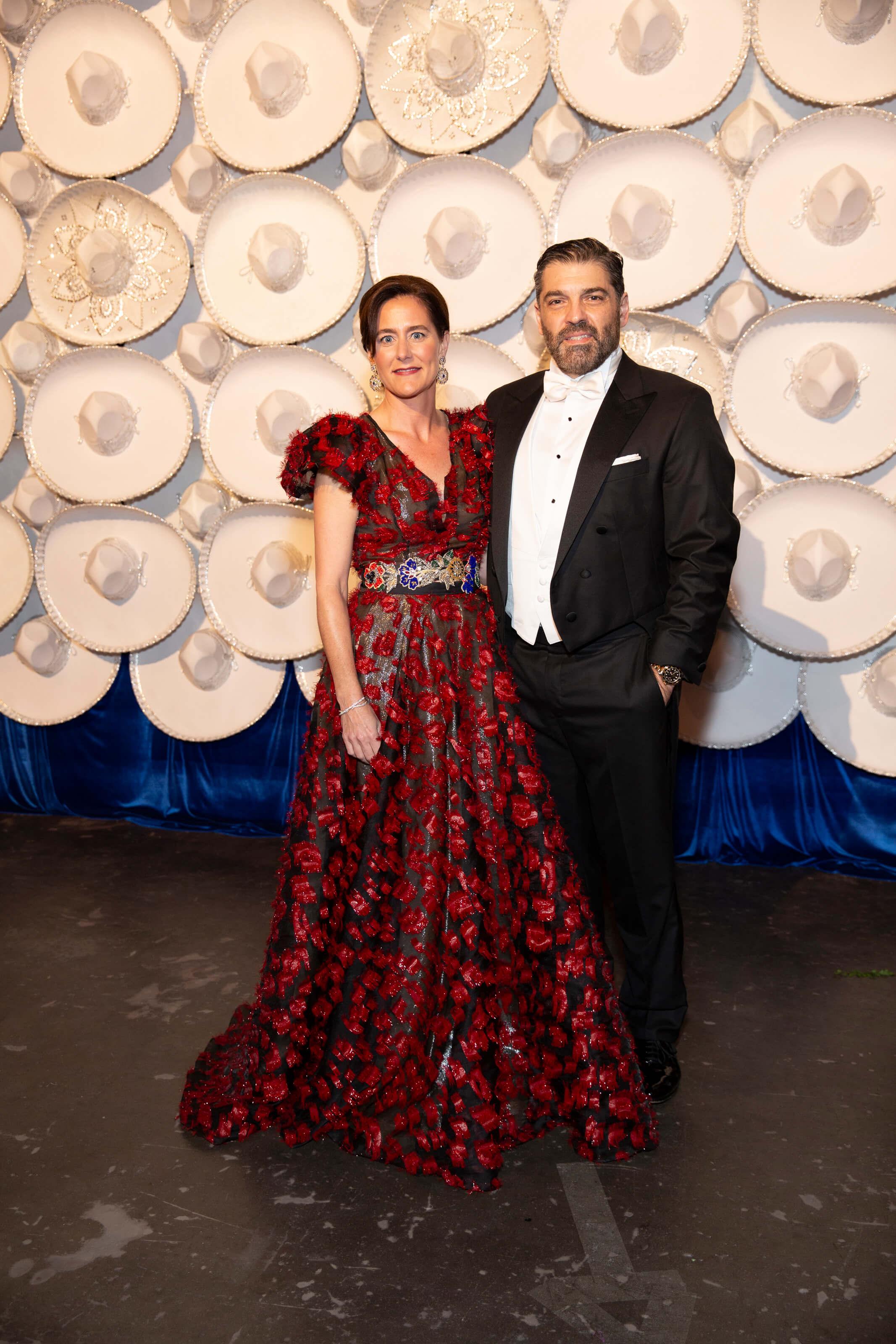 Marcia and Alfredo Vilas SILHOUETTE