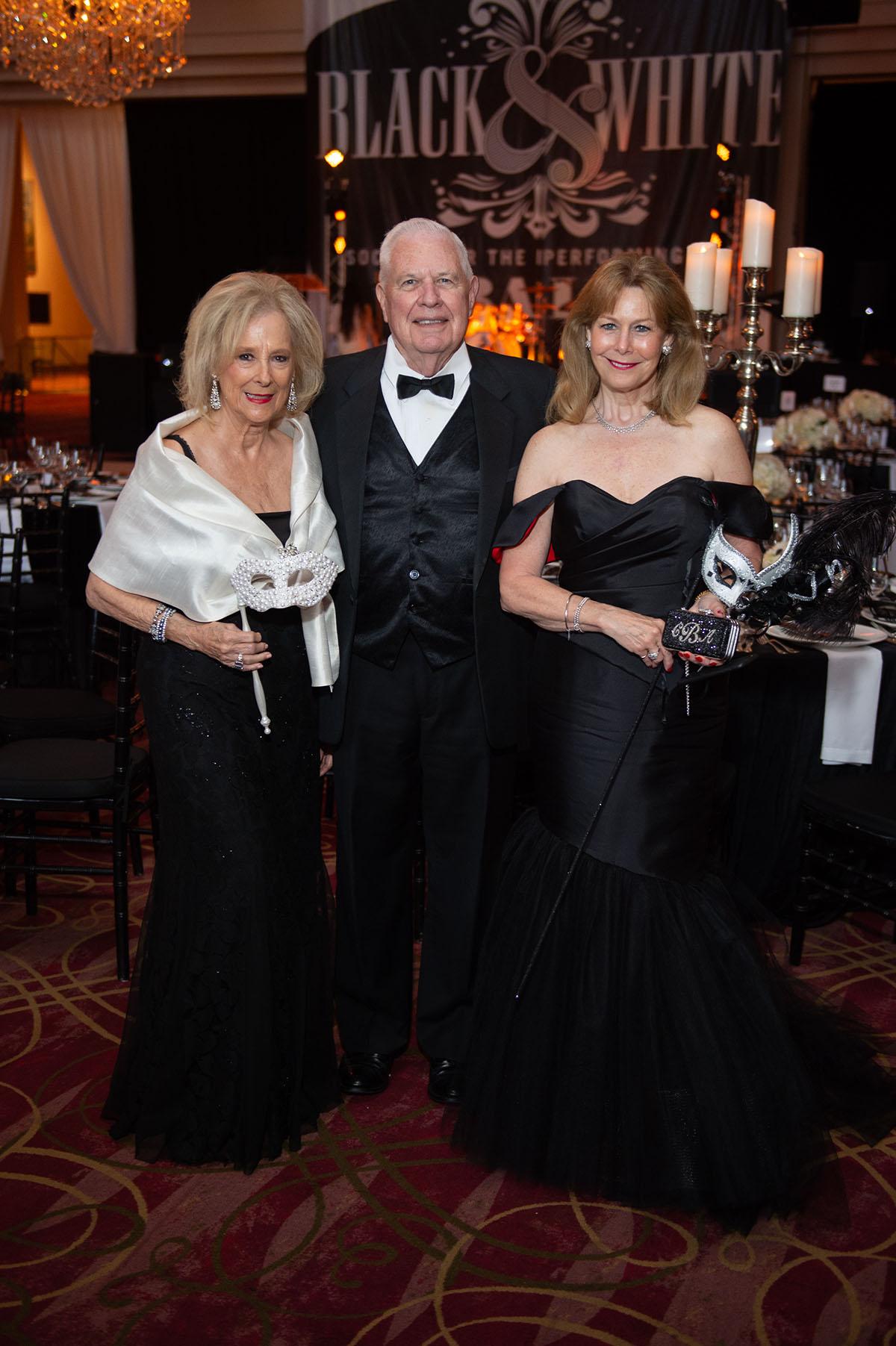 Mary Ann and David McKeithan & Cheryl Byington