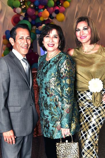 Roger and Vangie Flores _ Margaret Vera