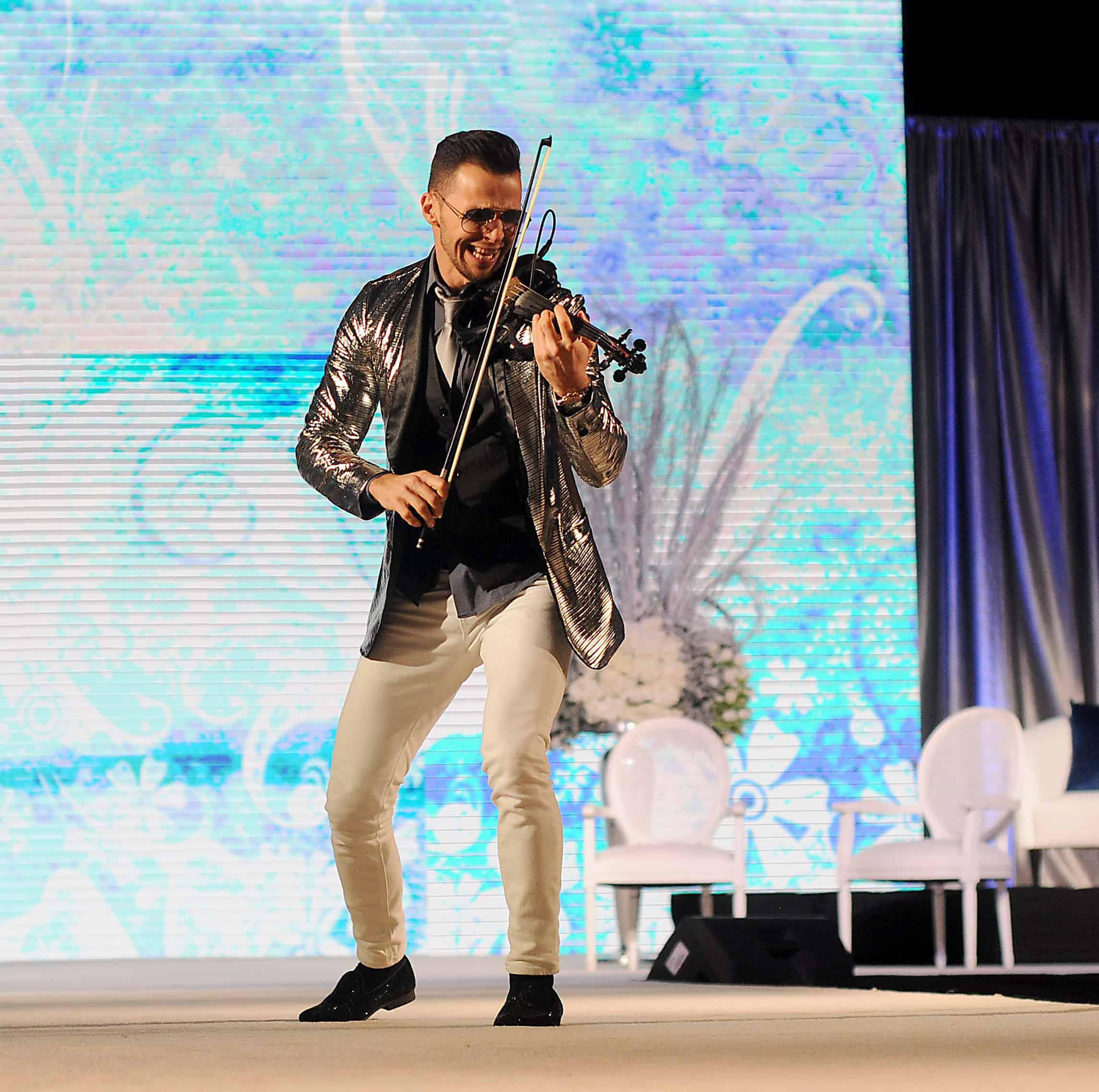 Svet performing