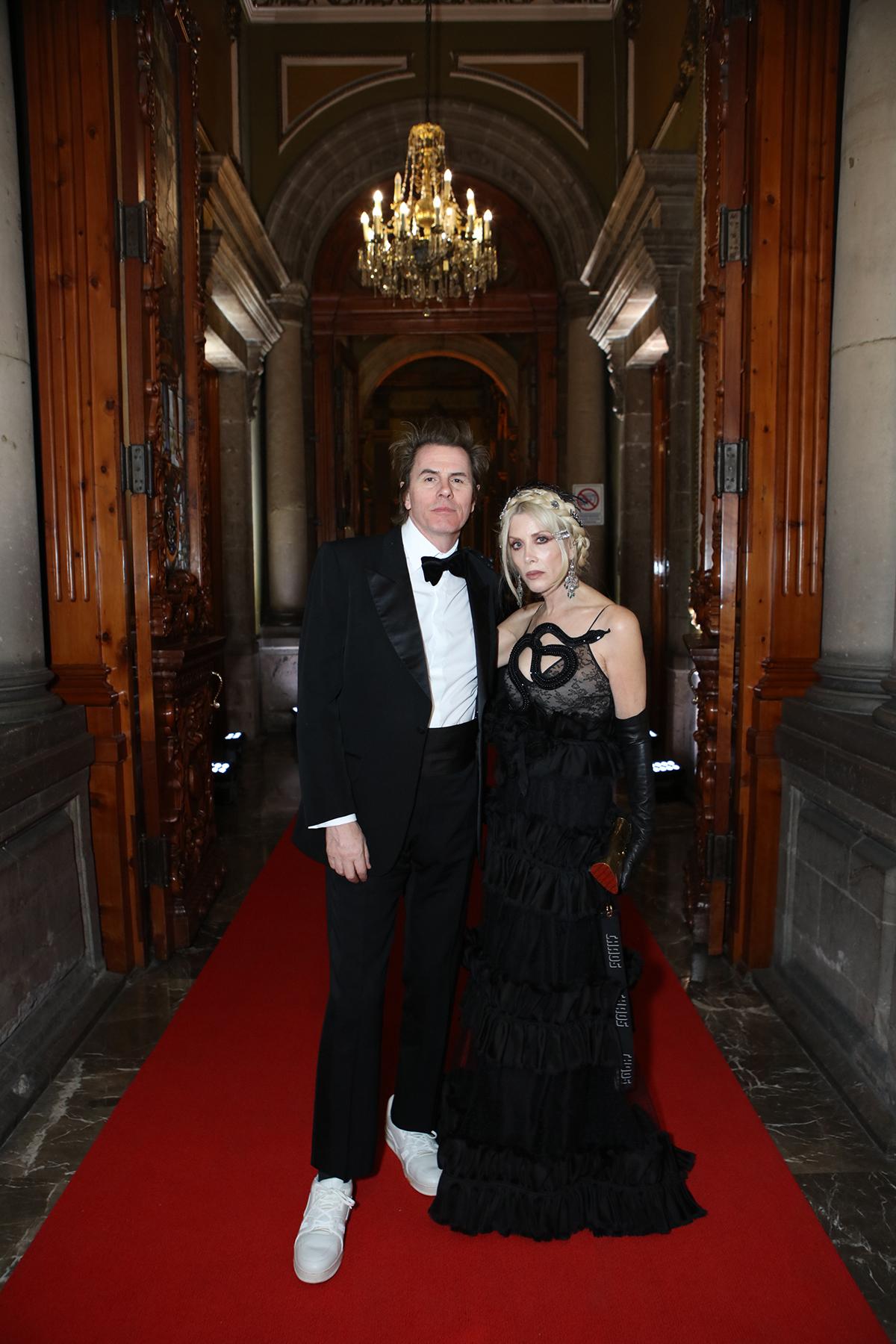 John and Gela Taylor