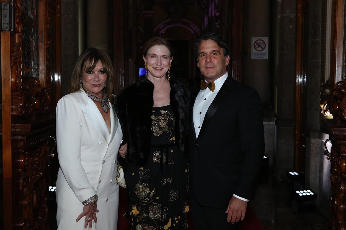 Meg Goodman, Carroll Goodman and John Wessels