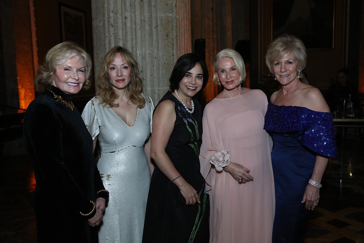Taffin Ray, Denise de la Rue, Roxana Velsquez, Sandra Pabst and Kathleen von Alvensleben