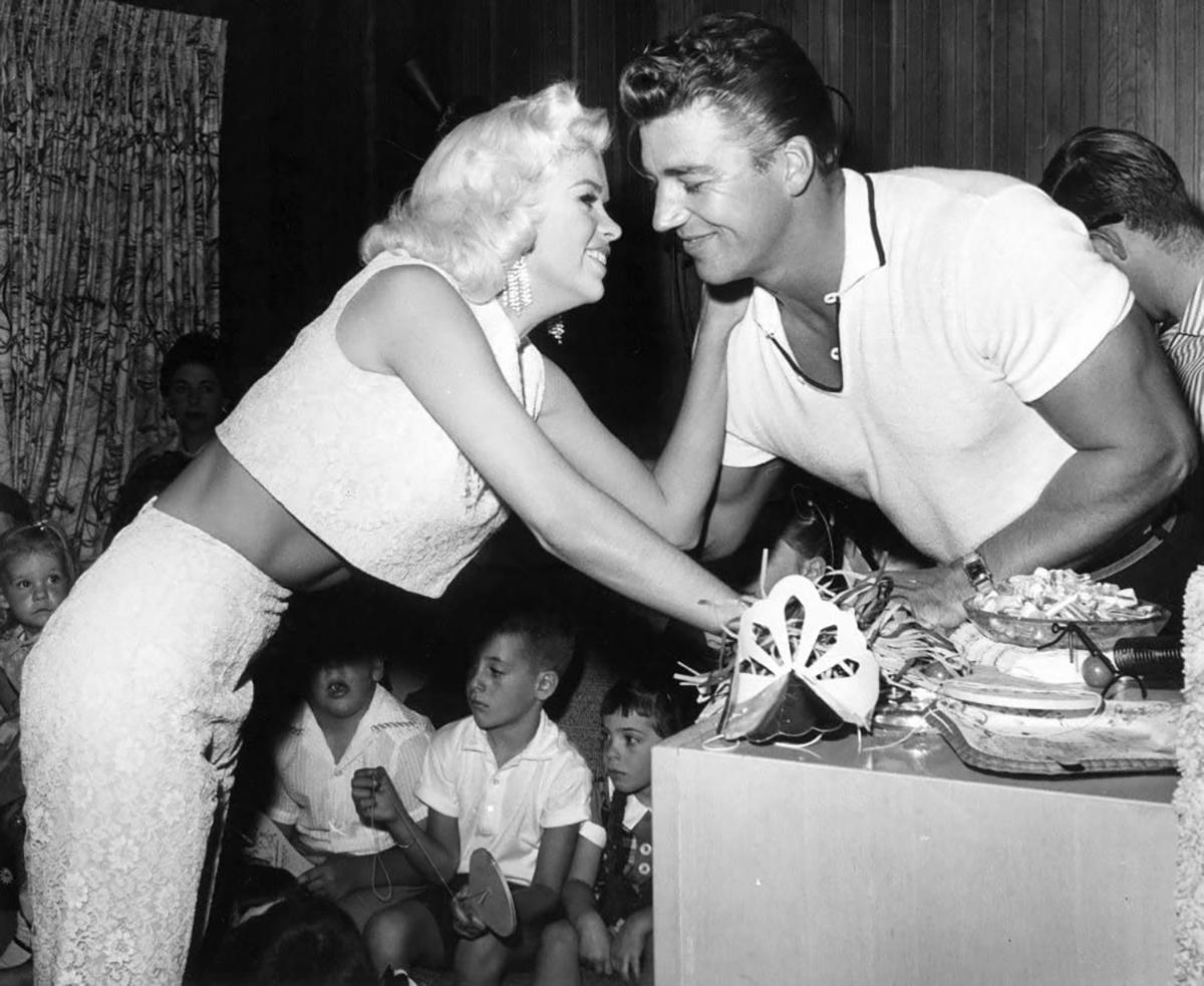 Jayne Mansfield and Mickey Hargitay, 1957. Press publicity photo.
