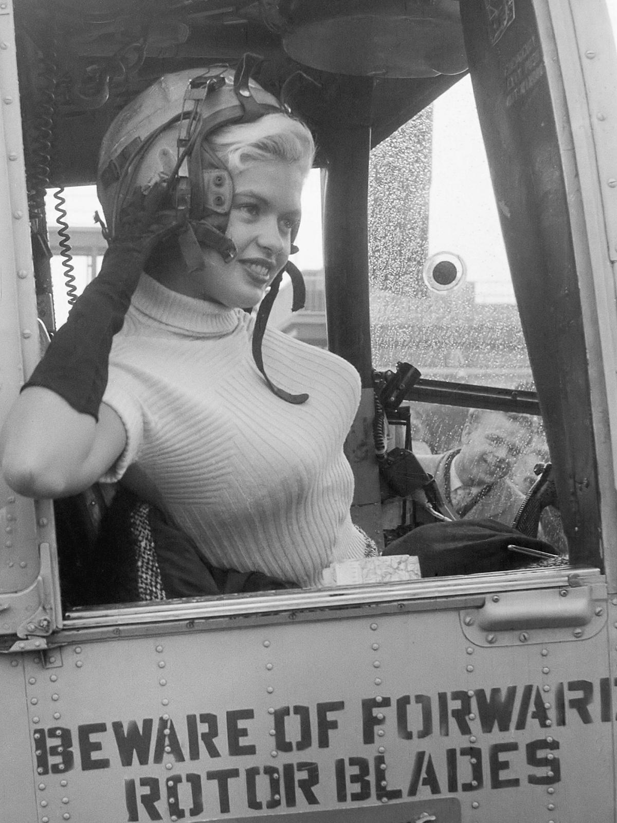 Jayne Mansfield vertrekt per helicopter naar Rotterdam